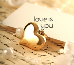 love-is-you-love-30949107-960-854